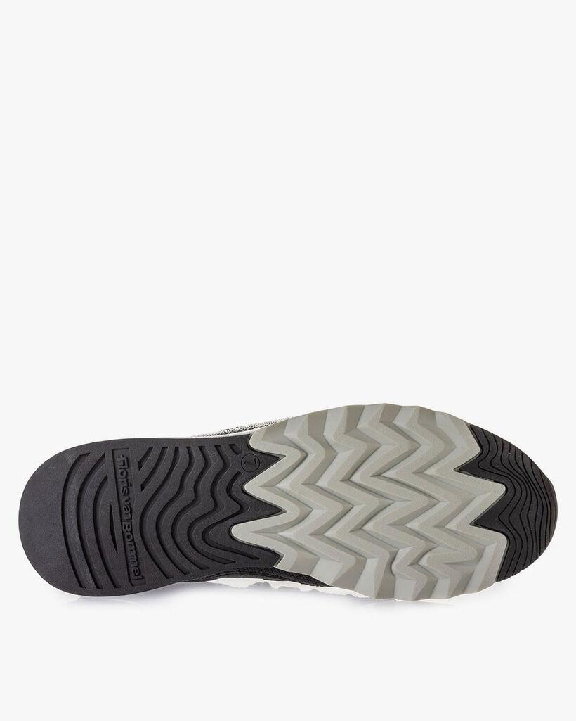 Sneaker leather black