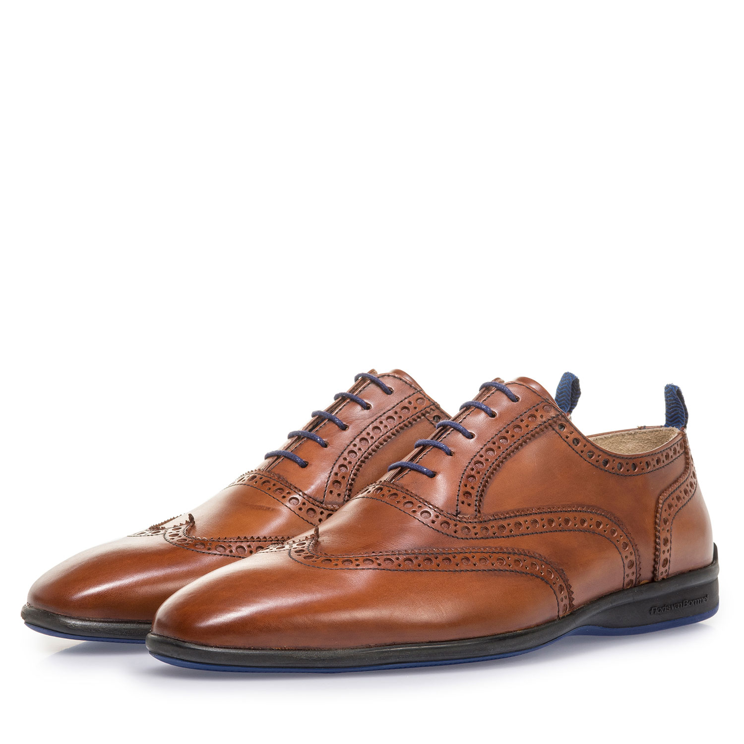 16360/07 - Dark cognac-coloured calf leather lace shoe