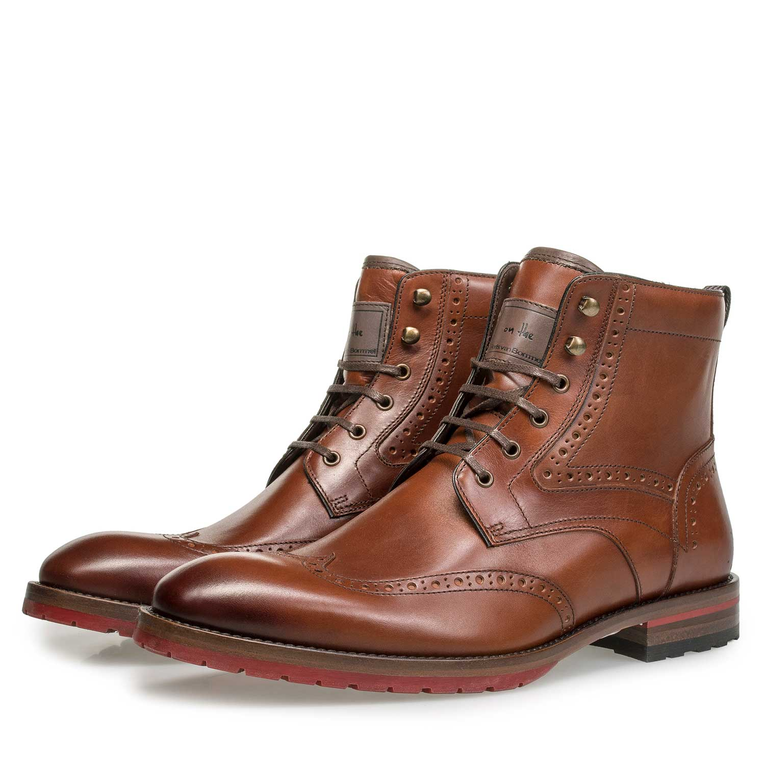 10295/03 - Cognac-coloured brogue leather lace boot