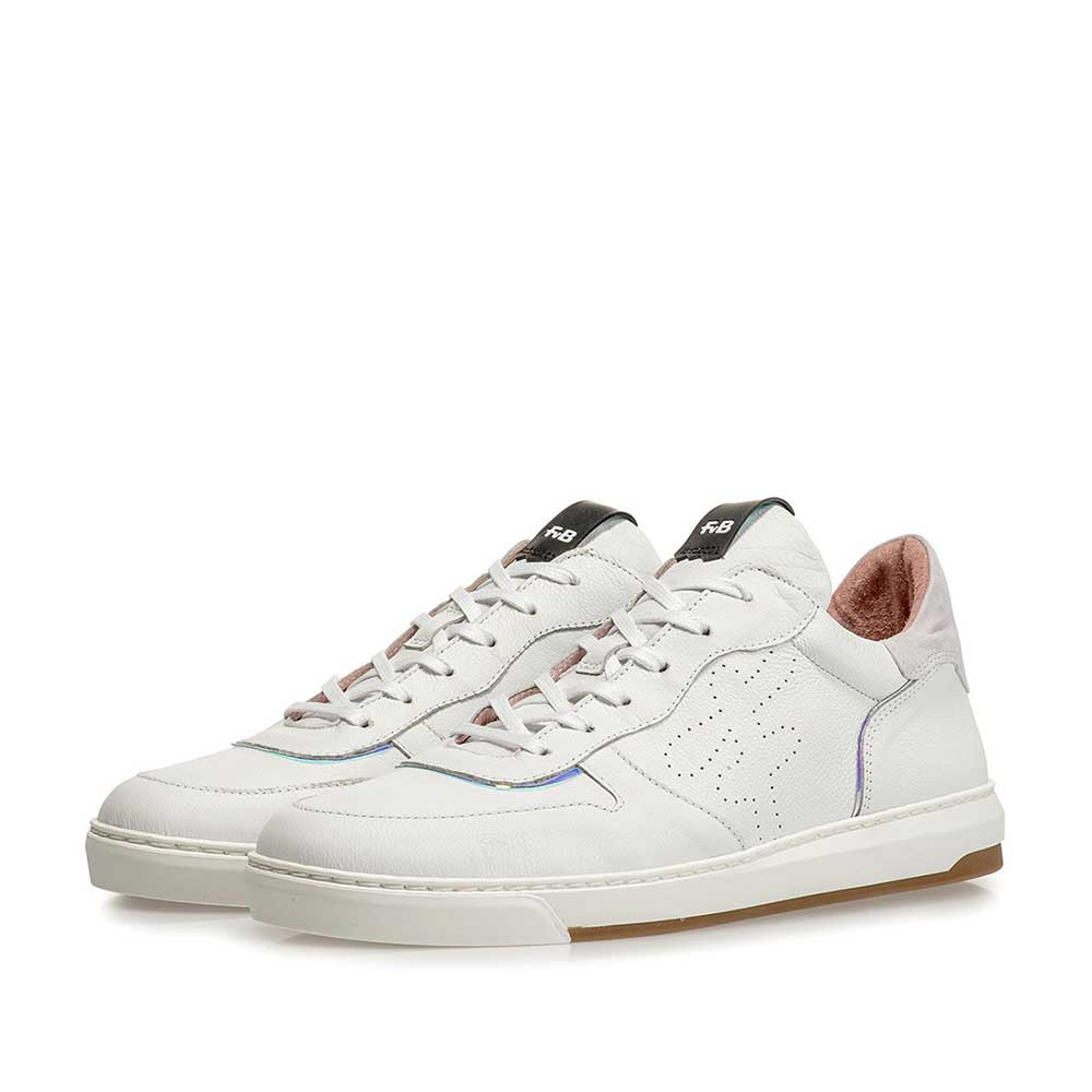85300/13 - White leather sneaker with print