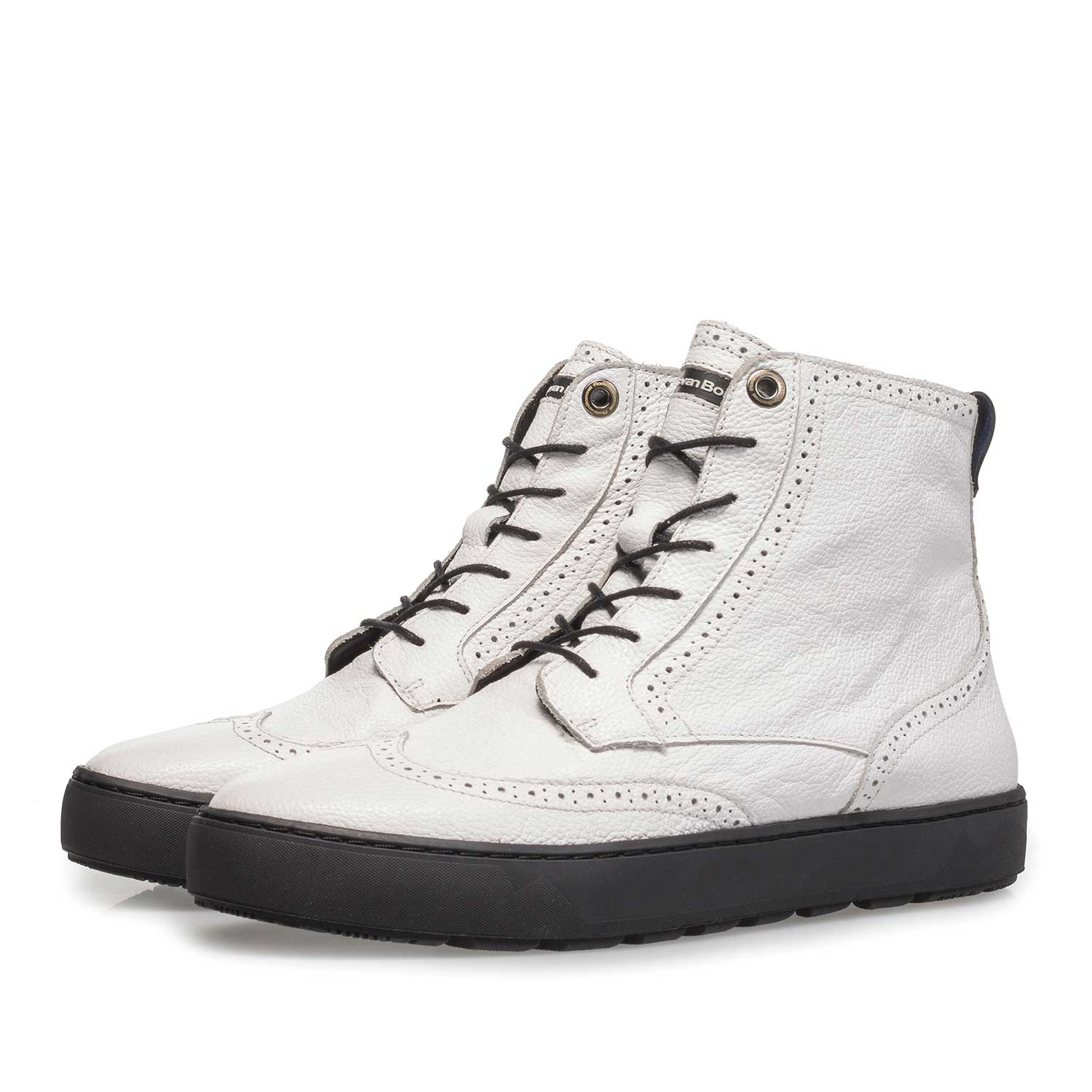 85286/02 - White mid-high sneaker with structured leather