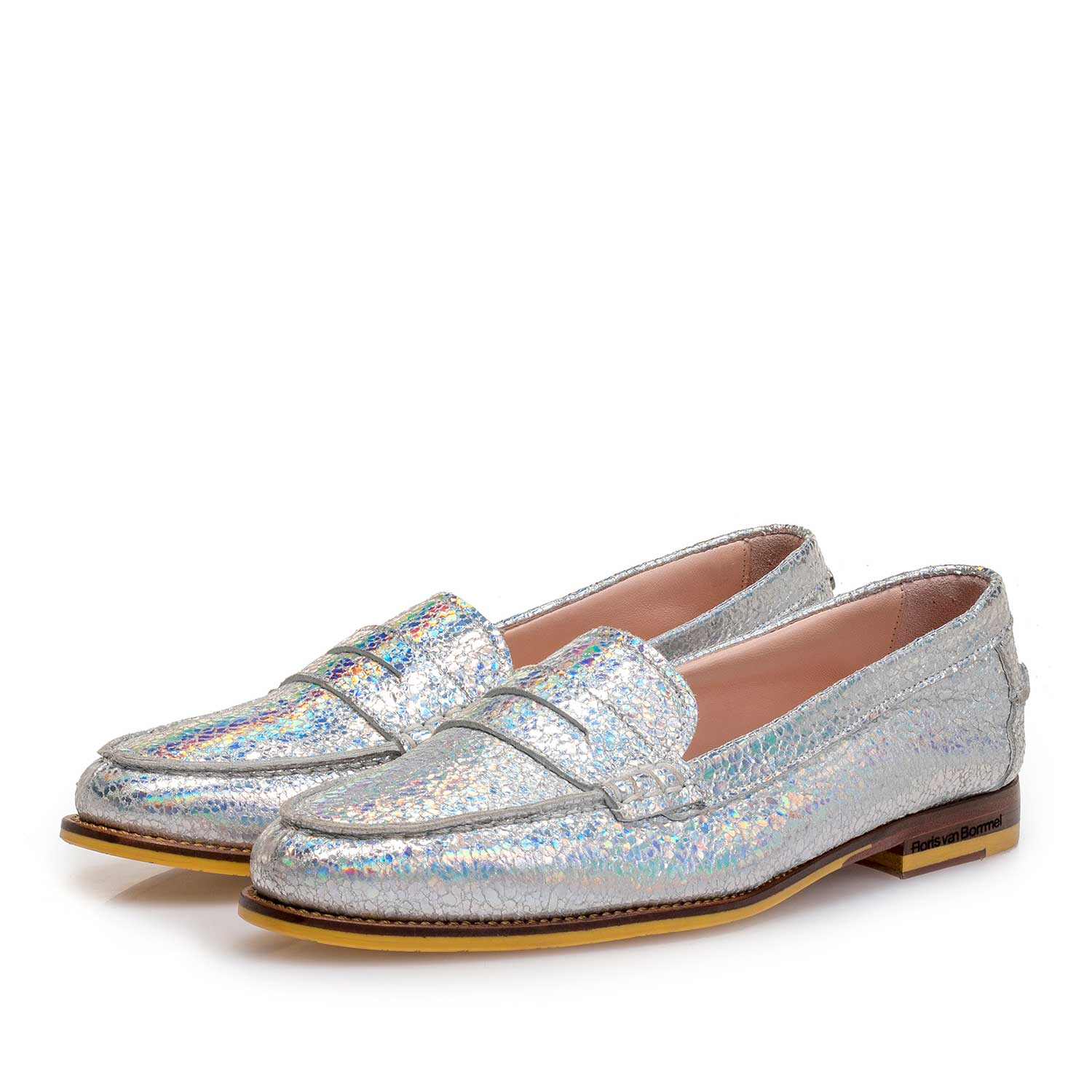 85409/00 - Silver metallic leather loafer with craquelé effect