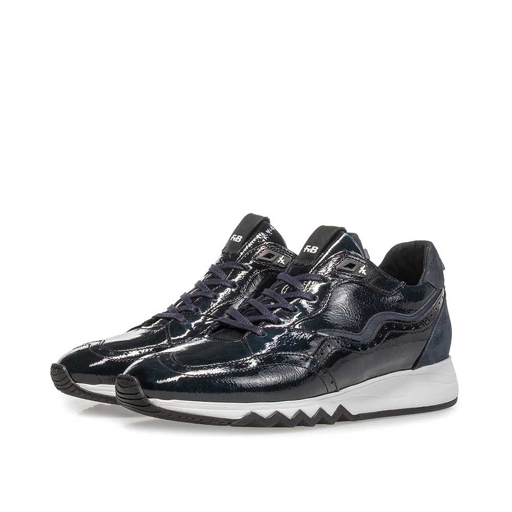 85287/06 - Blue patent leather sneaker