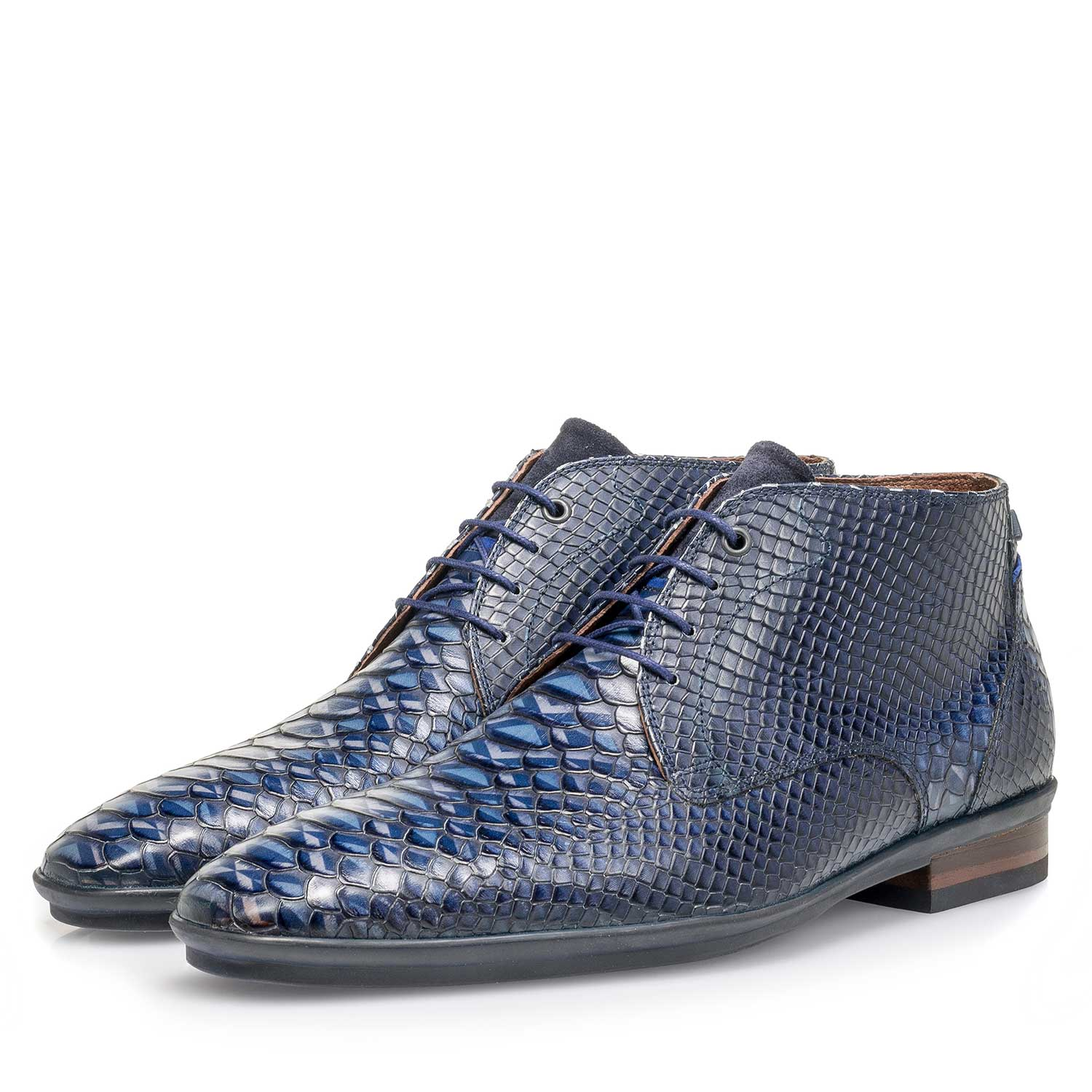10475/02 - Blue calf leather lace shoe with snake print