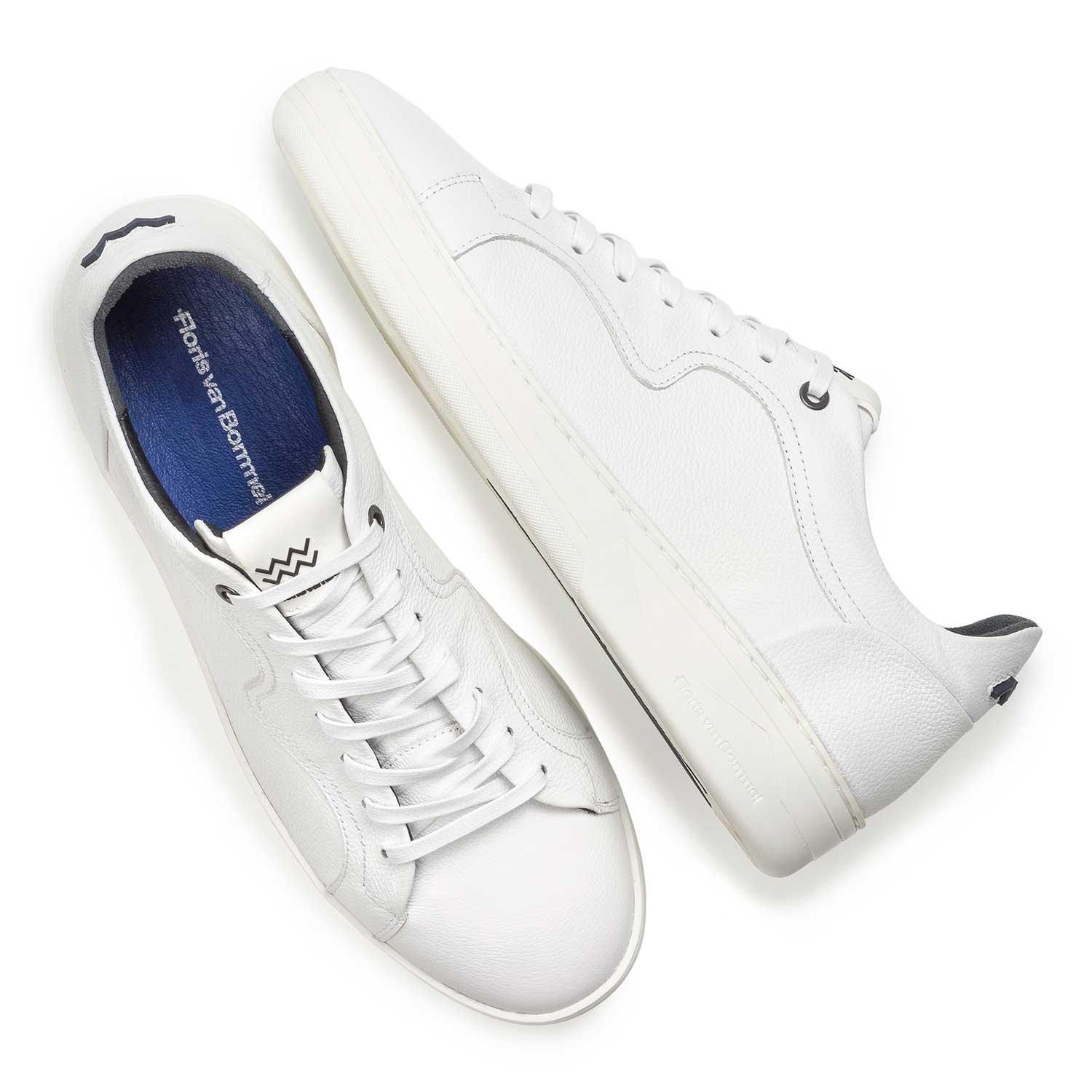 13225/05 - White calf leather sneaker with a subtle structural pattern
