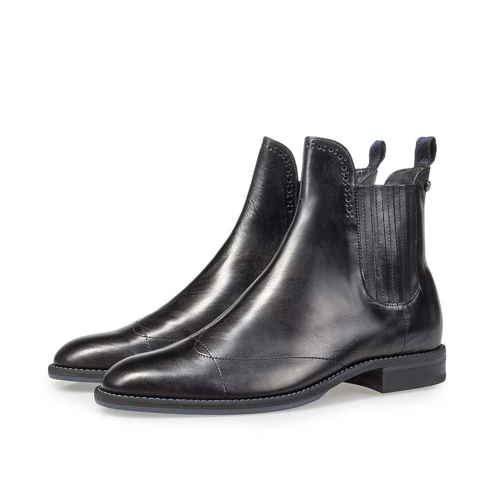 85601/01 - Black calf leather Chelsea boot