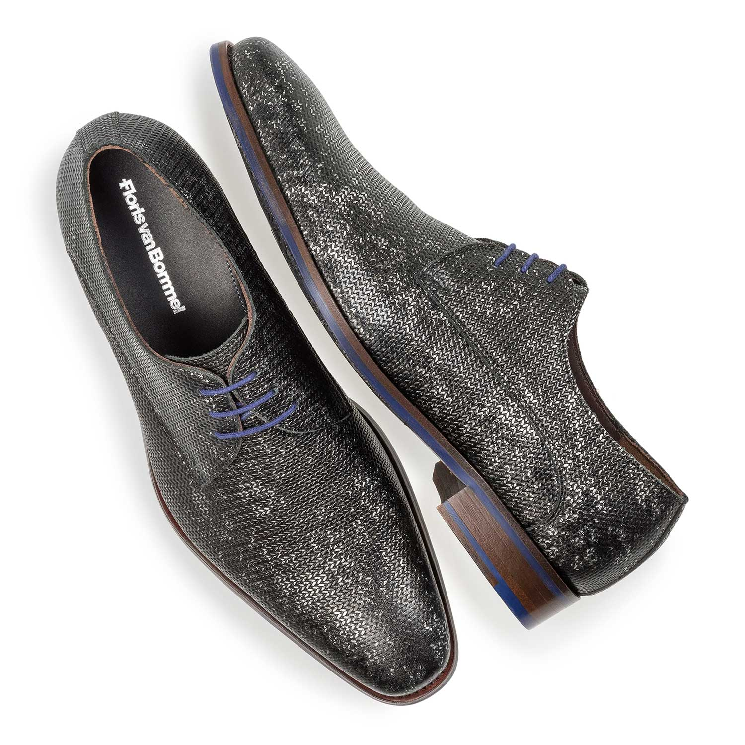 18159/00 - Dark grey leather lace shoe with metallic print
