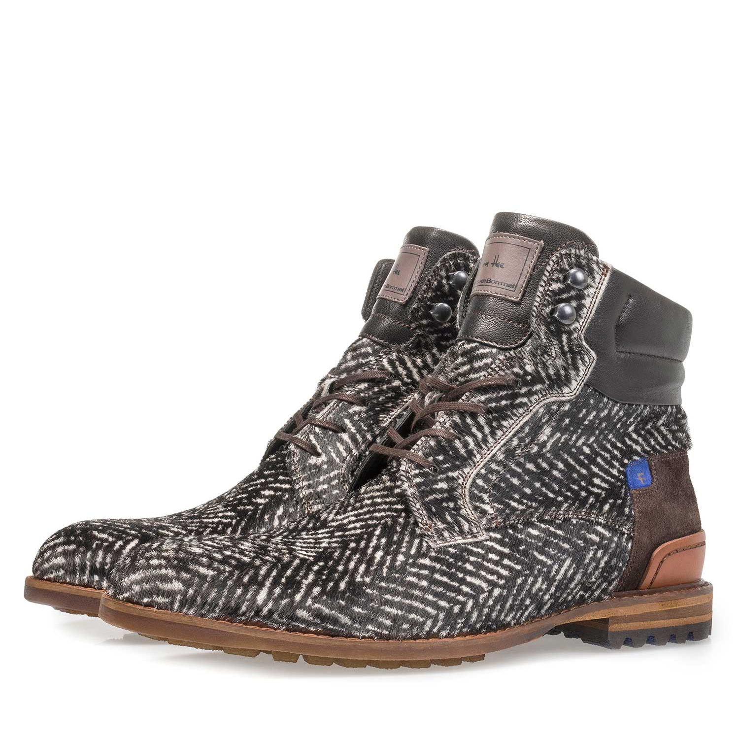 10641/02 - Premium off-white printed pony hair lace boot