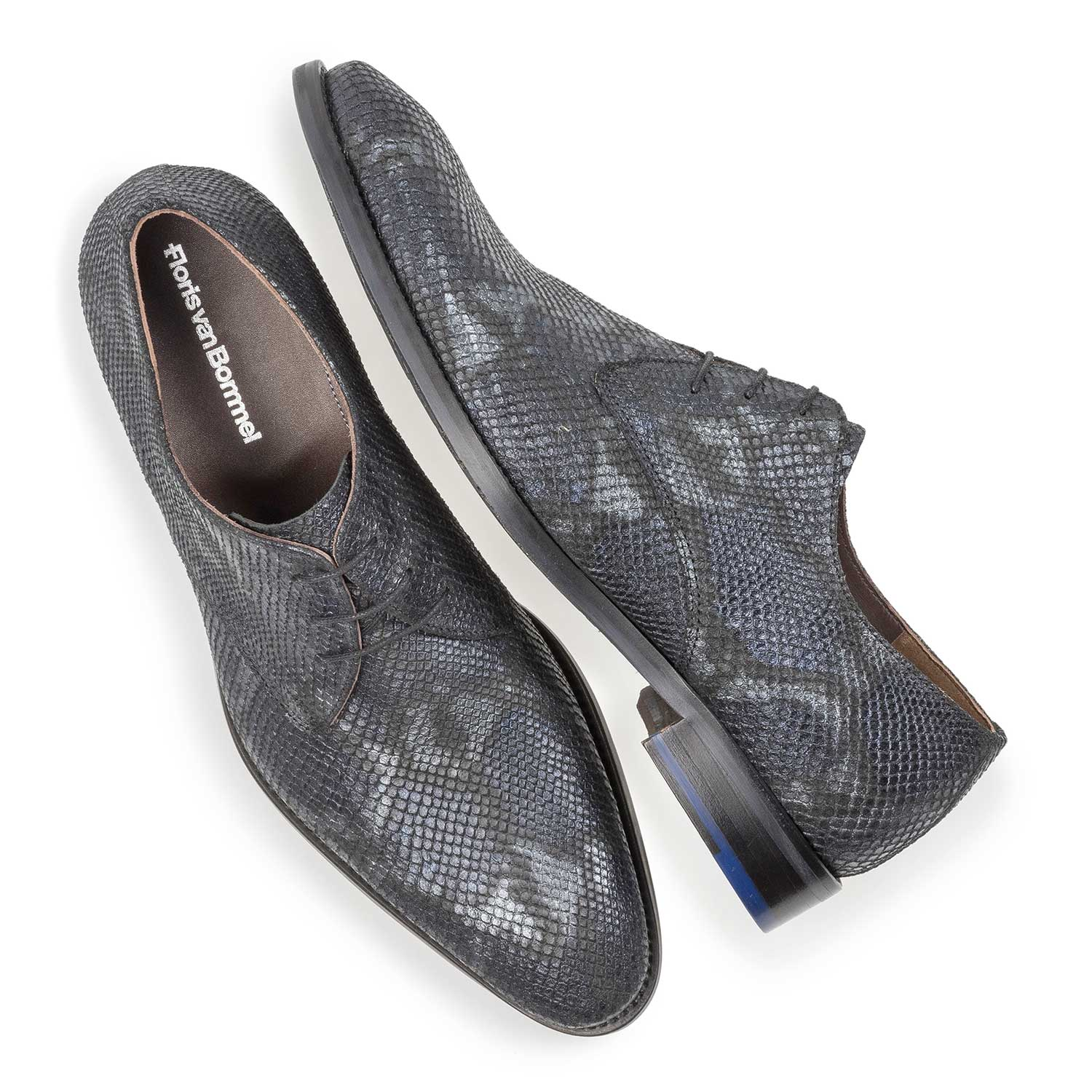 18124/01 - Blue leather lace shoe with snake print