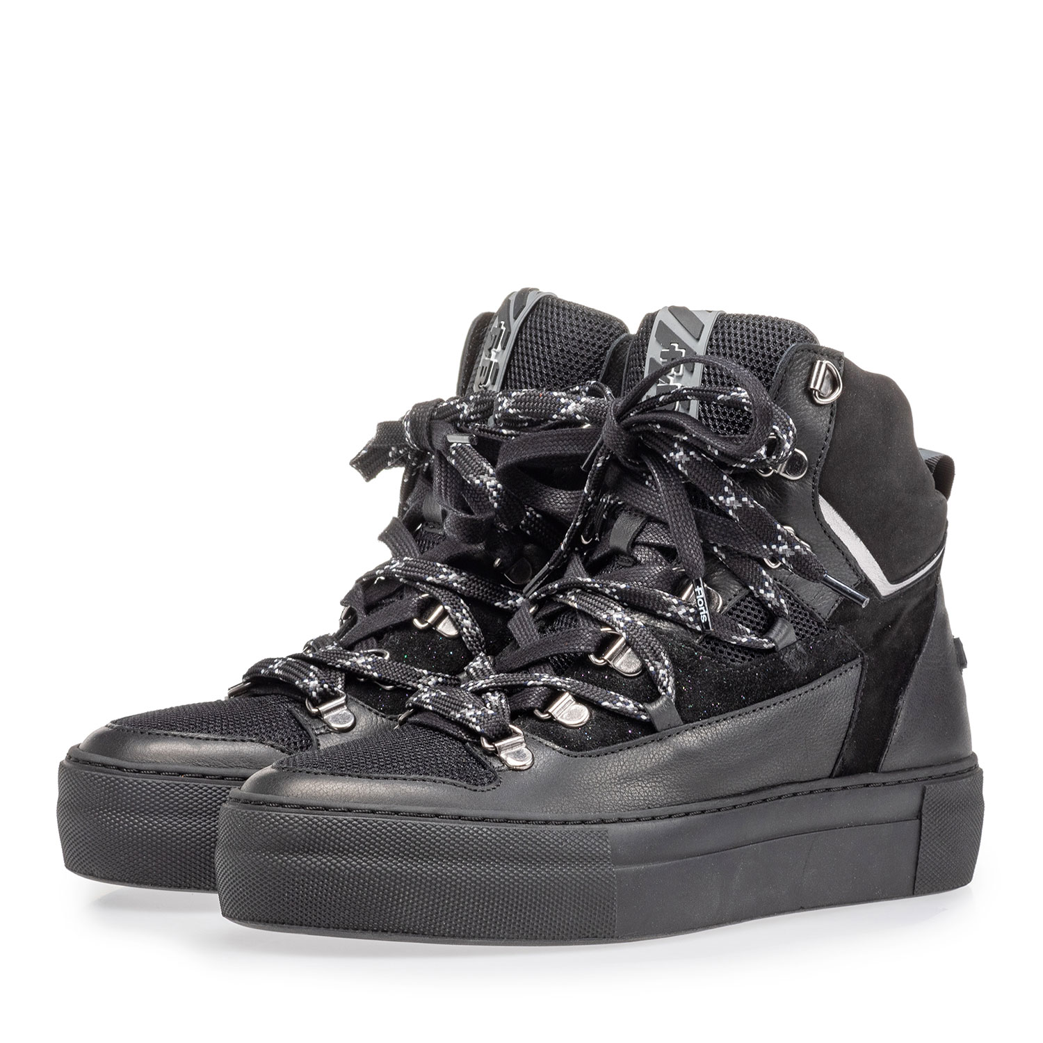 85315/00 - Mid-high sneaker black leather