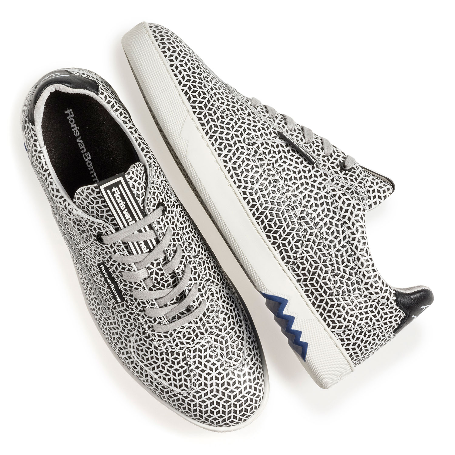 16342/25 - White calf leather sneaker with black print
